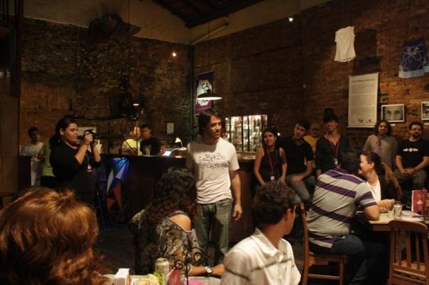 Igor Cotrim, que se apresentou com o grupo Voluntários da Pátria, ao lado de Tico Santa Cruz